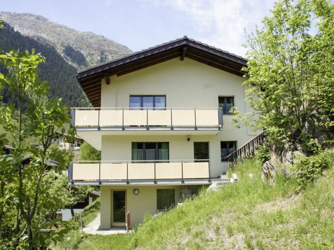 Fieschertal – Mehrfamilienhaus mit 3 Wohnungen und fantastischer Aussicht