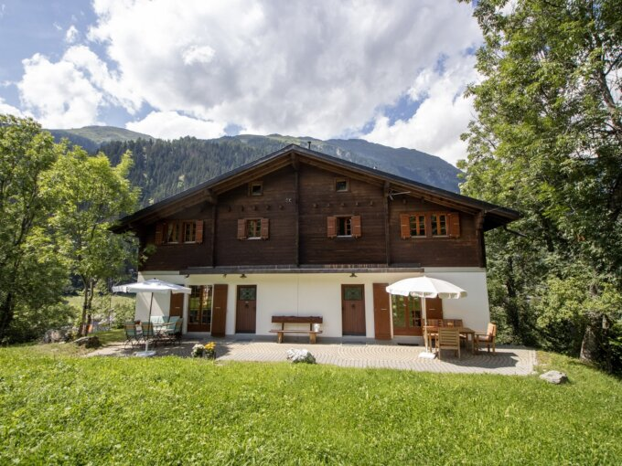 Fieschertal – Malerisches Zweifamilienhaus mit eindrucksvoller Aussicht