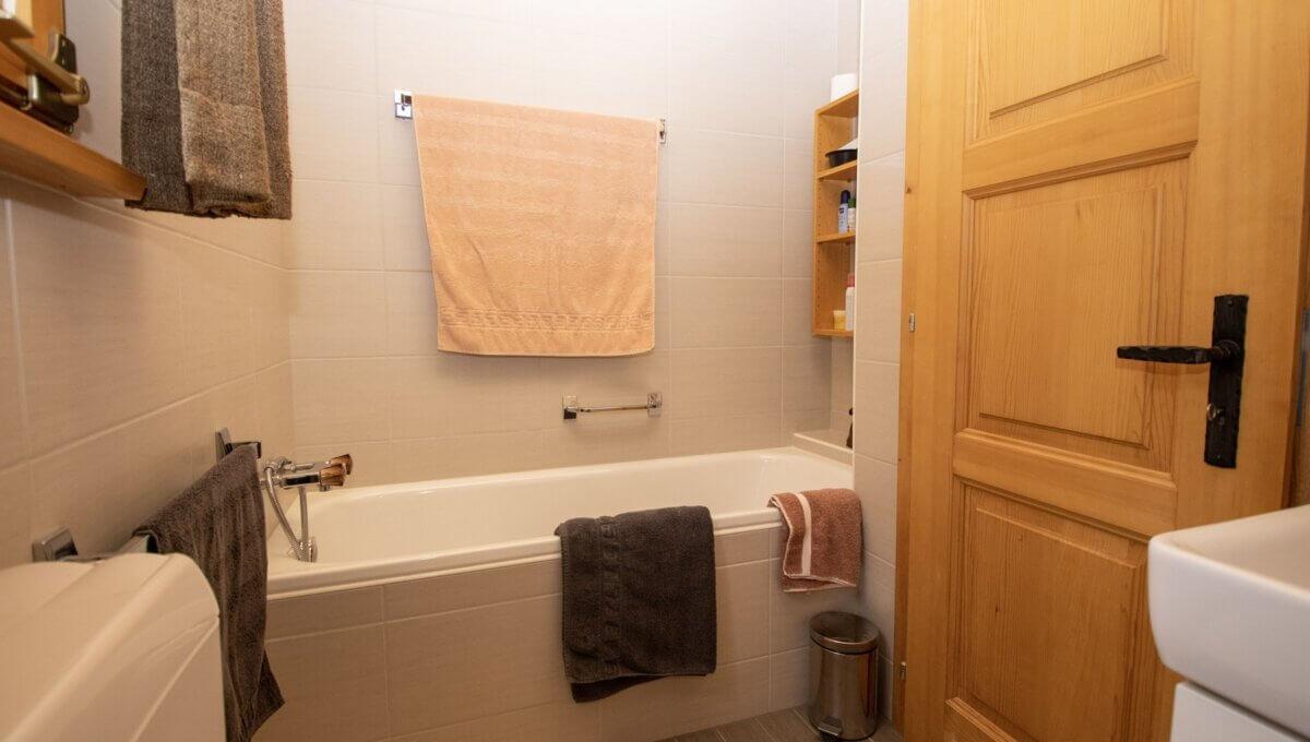 AA's-Immobilien-Zweifamilienhaus-Fieschertal (16)