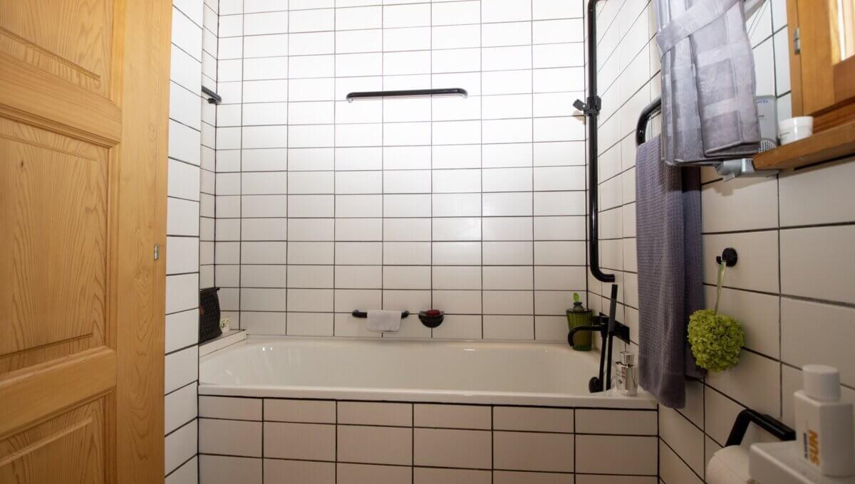 AA's-Immobilien-Zweifamilienhaus-Fieschertal (54)